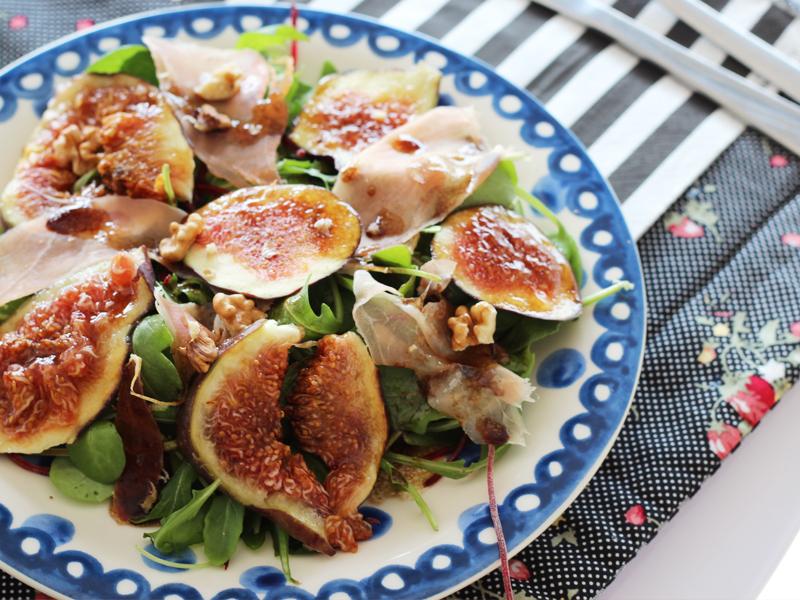 salada de agrião, figo e presunto cru