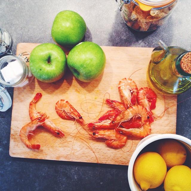 um belíssimo dia frio pra um creme de abóbora, risoto de camarões com cúrcuma e torta de maçãs.